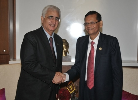 Minister_Peiris_meets_the_new_External_Affairs_Minister_of_India-nov