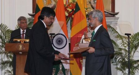 Prime_Minister_and_H.E_Mr._Ranil_Wickremesinghe_Prime_Minister_of_The_Democratic_Socialist_Republic_of_Sri_Lanka_at_the_signing_ceremony_in_New_Delhi_September_15_20153