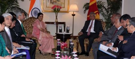 External_Affairs_Minister_of_India_meeting_with_Hon._Ranil_Wickremesinghe_Prime_Minister_of_Sri_Lanka_in_New_Delhi_September_15_2015_2